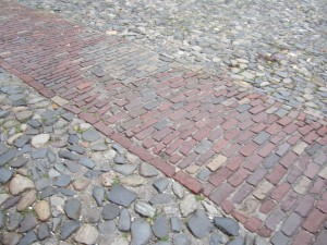 On the Savannah waterfront, cobblestone streets attract visitors in droves